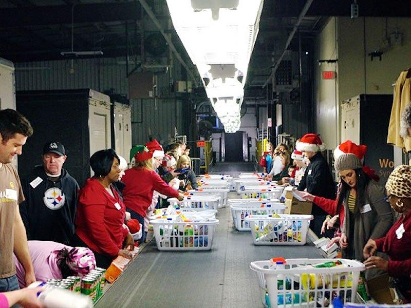 2013-project-christmas-basket-09
